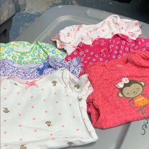 Lot of 6 Carters Onsies Size 18 month